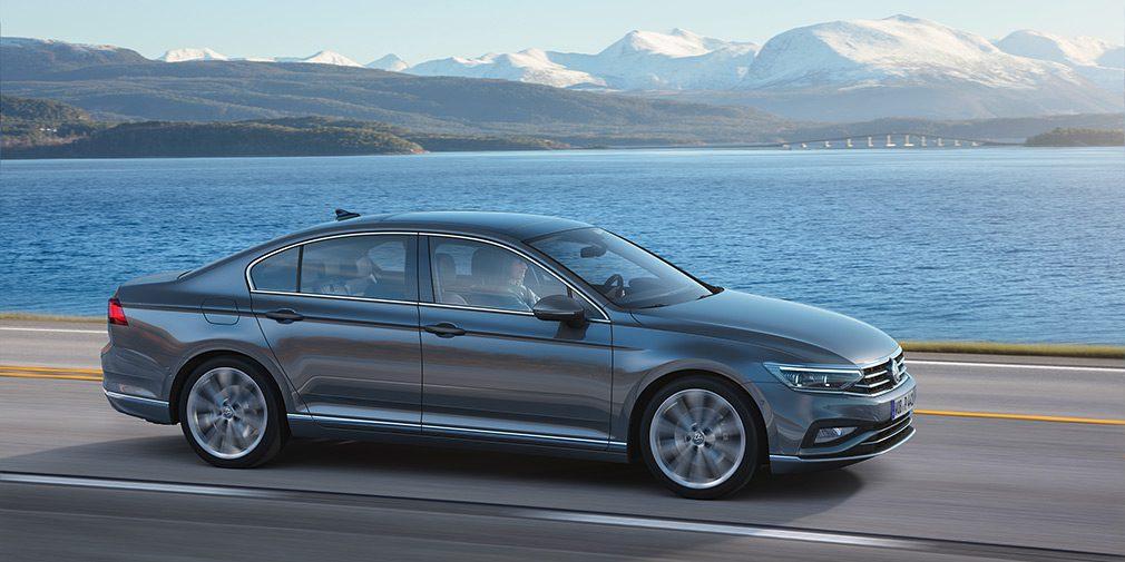 Компания Volkswagen представила обновленный Passat