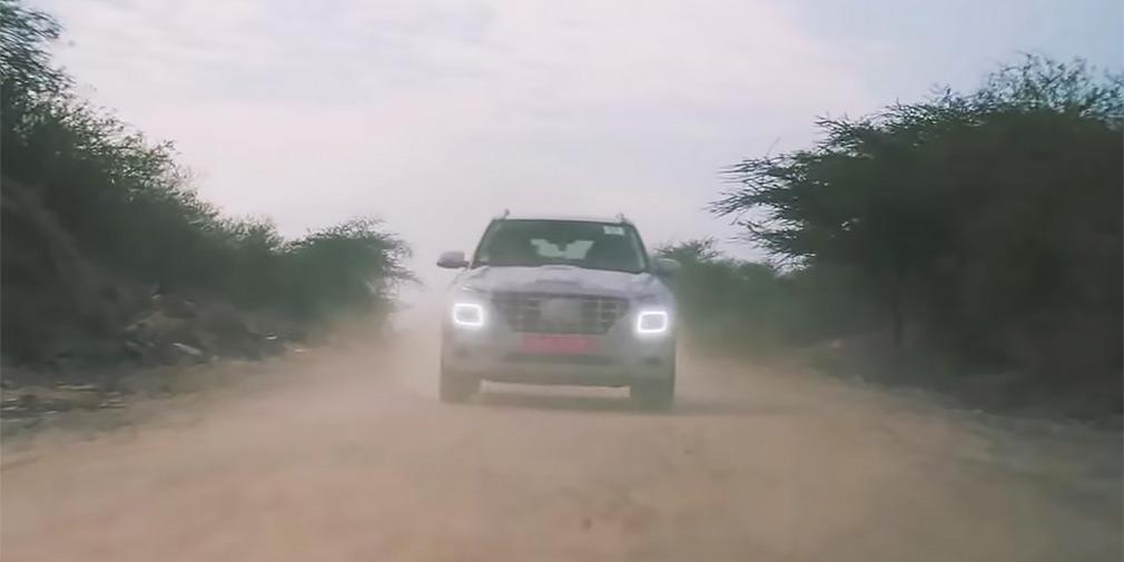 Компактный кроссовер Hyundai Venue показали на тизерном видео
