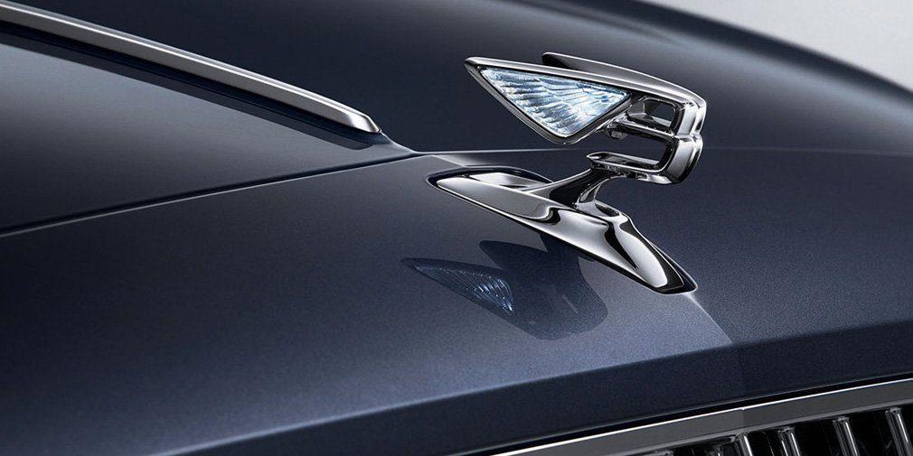 Bentley показала на тизере новый седан Bentley Flying Spur