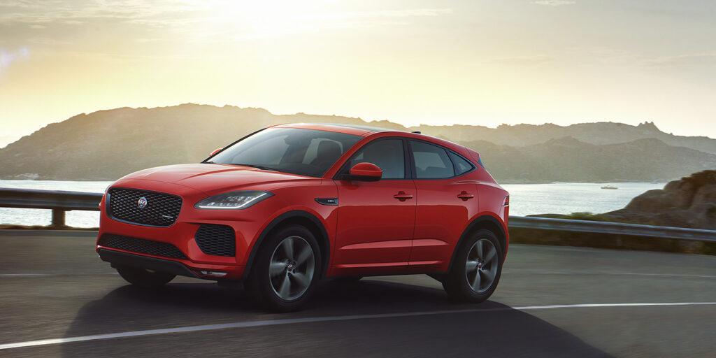 Jaguar везет в Россию спецверсию E-Pace Chequered Flag
