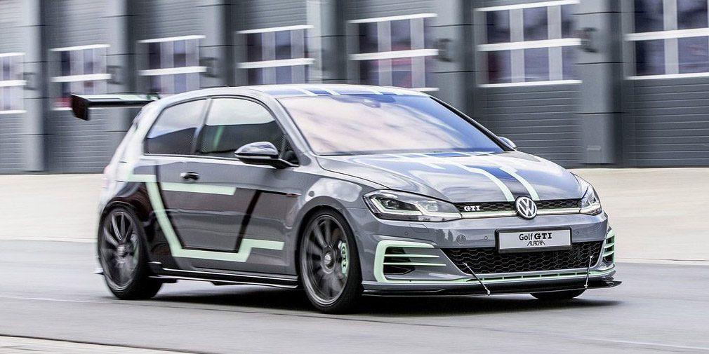 Volkswagen показал два спортивных концепта на базе Golf от студентов