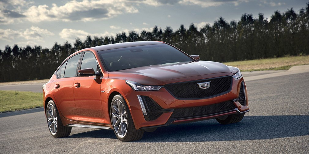 Стала известна стоимость новых седанов Cadillac CT5-V и CT4-V