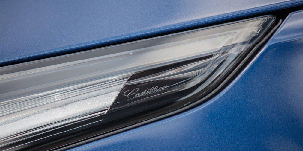 Cadillac презентовал высокопроизводительные седаны CT4-V и CT5-V