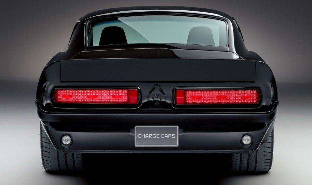 Классический Ford Mustang превратили в электромобиль