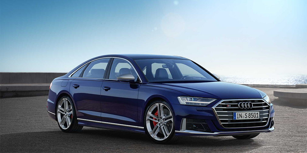 Новый мощный Audi S8 приехал в Россию