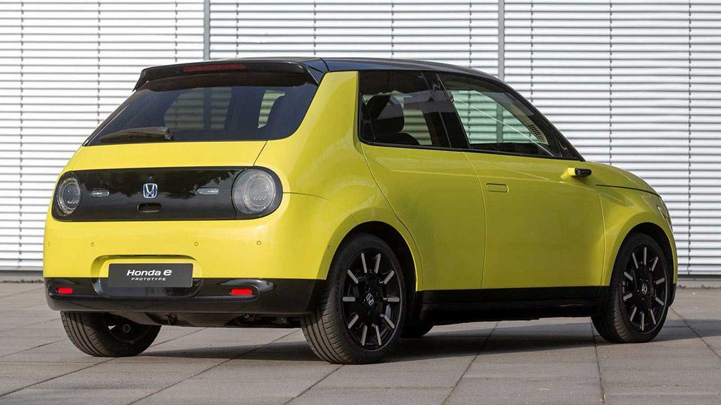 Honda представила серийный электромобиль Honda e