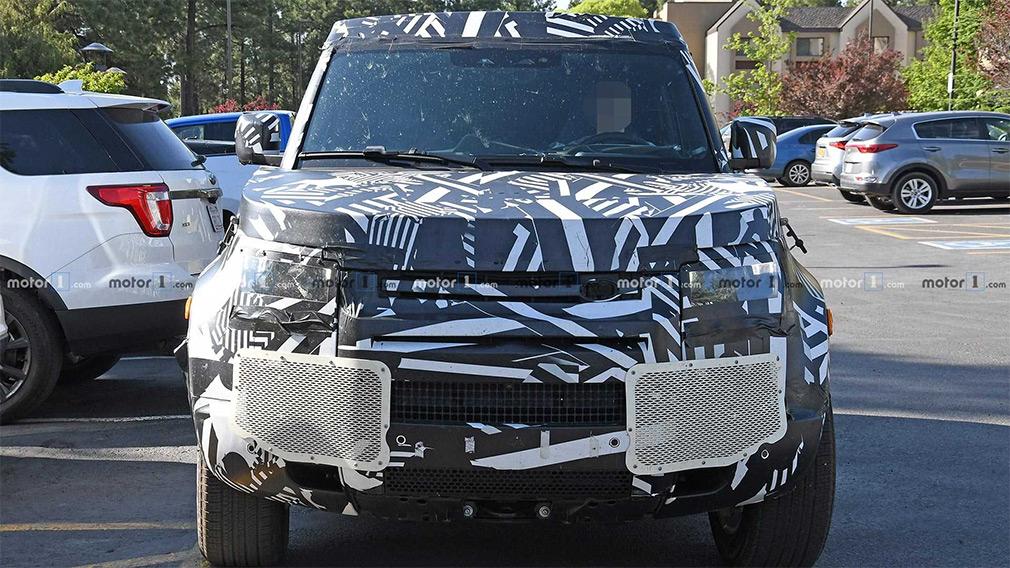 Новый Land Rover Defender получит восьмиместную модификацию