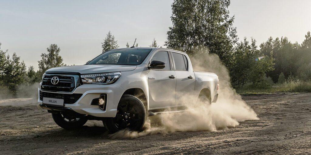 Toyota представила новую топовую версию пикапа Toyota Hilux