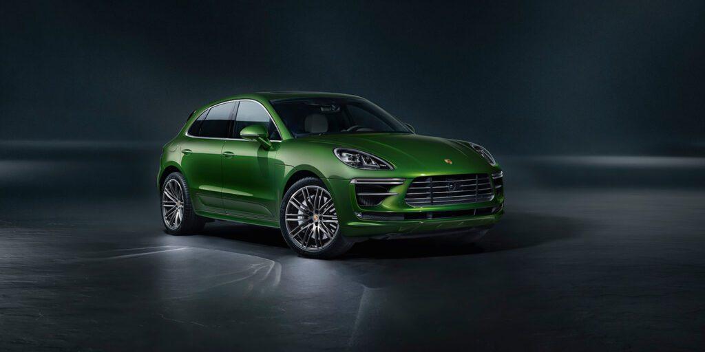 «Заряженный» Porsche Macan Turbo стал доступен для заказа в РФ