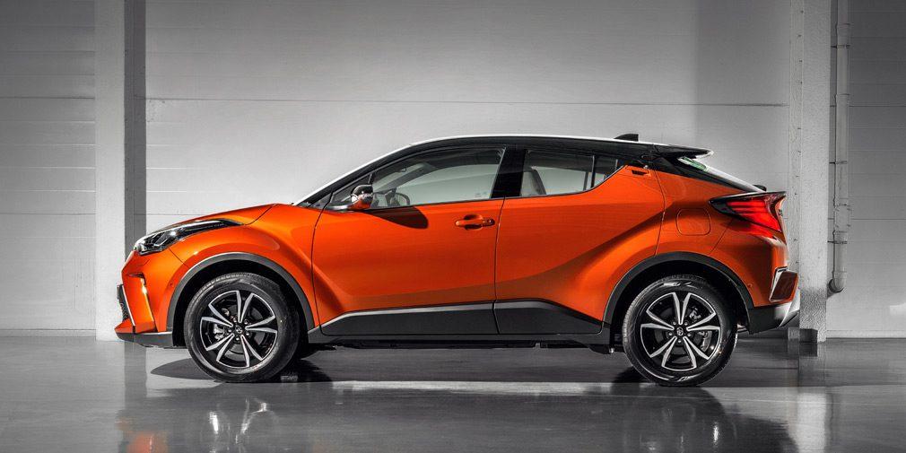 Обновлённый кроссовер Toyota C-HR появился в РФ