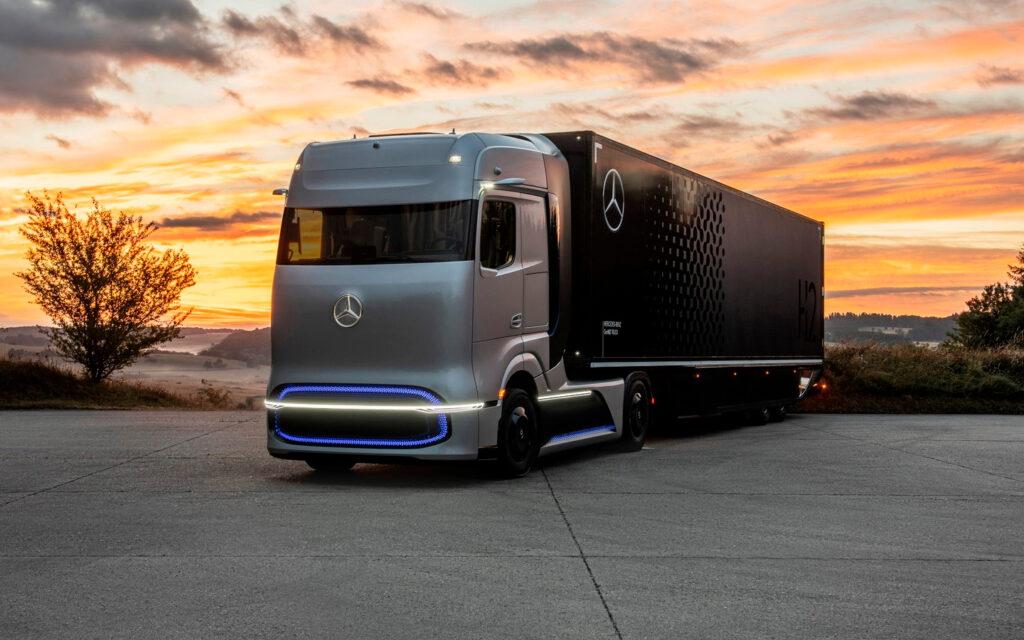 Mercedes-Benz представила прототип водородного грузовика GenH2