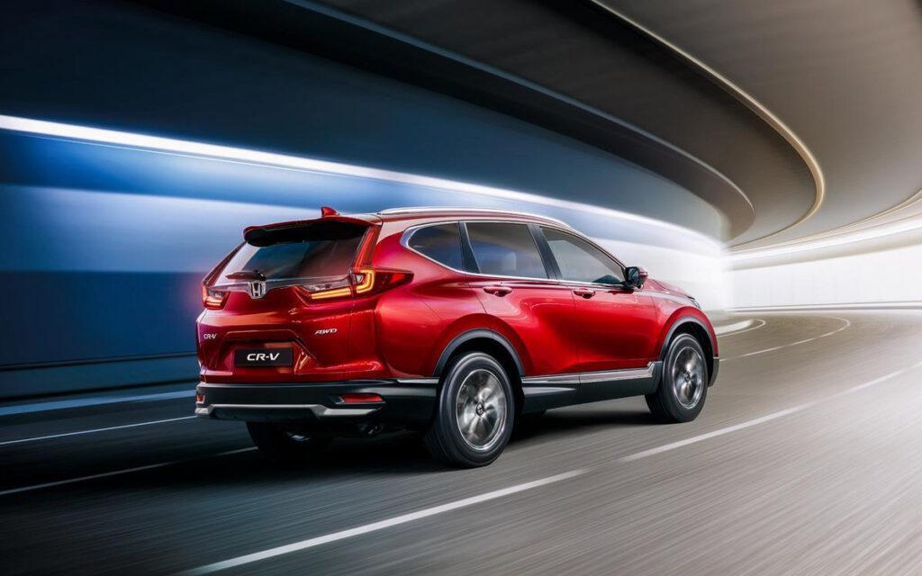 Honda начала продажи в России обновленного кроссовера CR-V