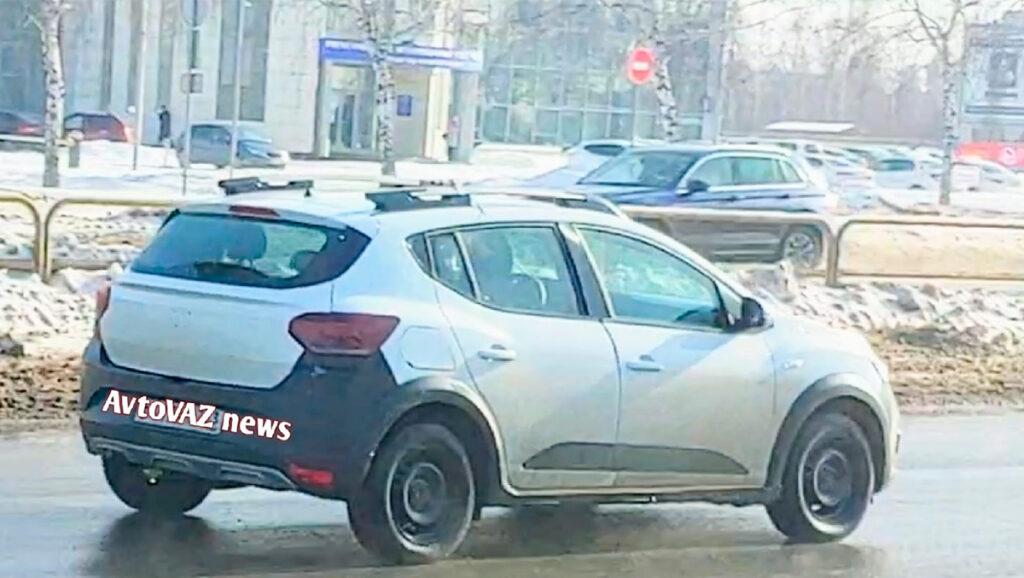 Renault тестирует новое поколение модели Renault Sandero на территории АвтоВАЗа