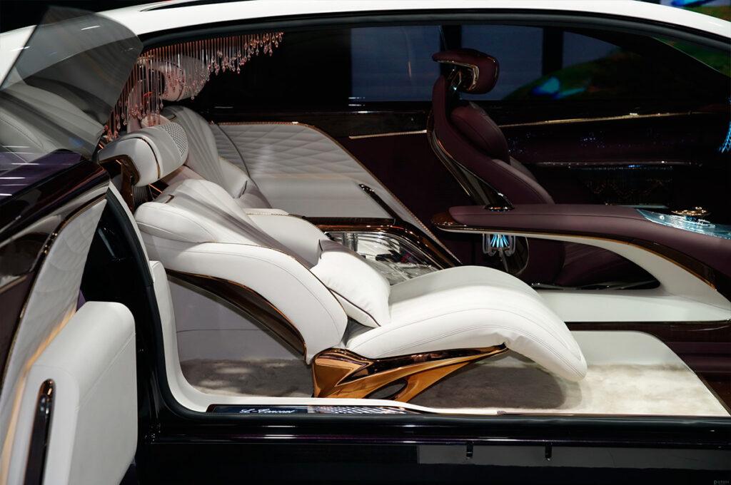FAW продемонстрировал прототип роскошного лимузина Hongqi