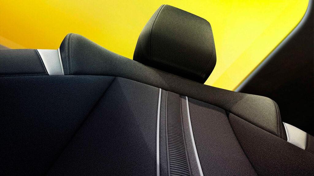 Компания Opel показала хэтчбек Astra новой генерации