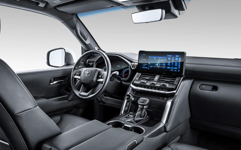 Компания Toyota представила внедорожник Land Cruiser 300 новой генерации