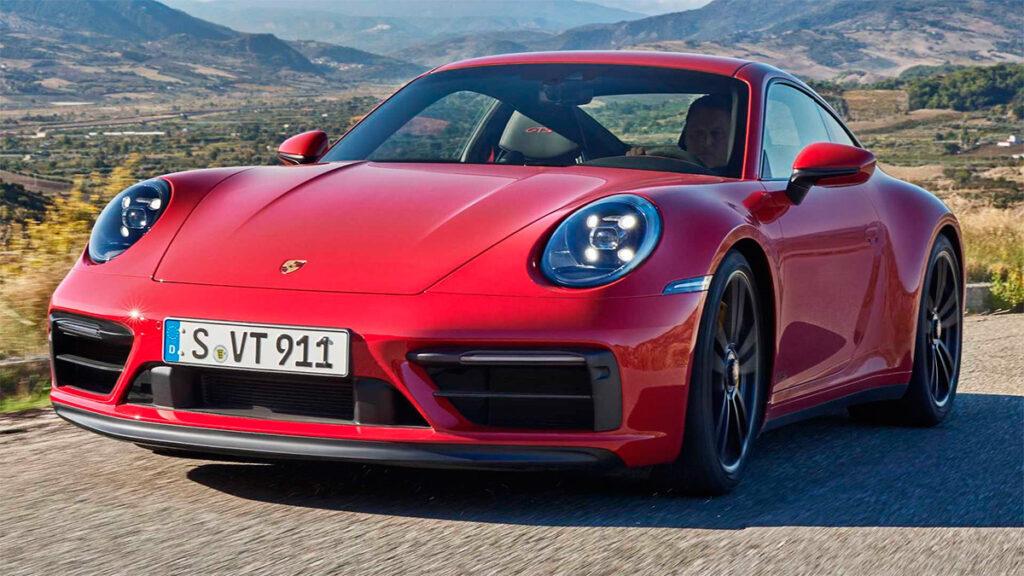 Porsche выпустила новые версии модели Porsche 911 2022 модельного года