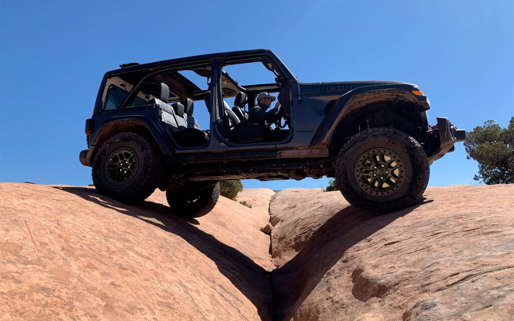 Компания Jeep представила самую хардкорную версию Jeep Wrangler