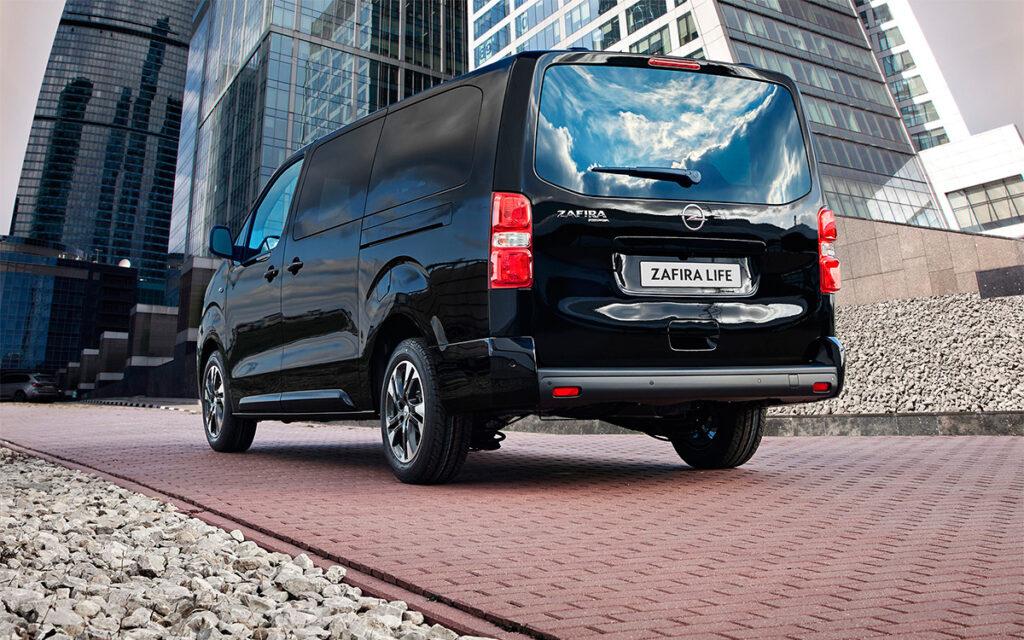 Модели Opel Zafira Life и Opel Vivaro получили полный привод в России