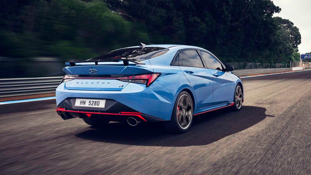 Hyundai представил флагманскую версию седана Elantra N 2022 года