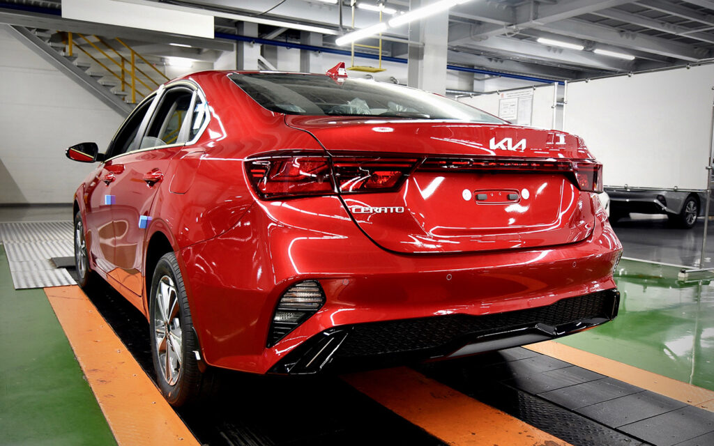Калининградский «Автотор» начал выпуск нового седана Kia Cerato