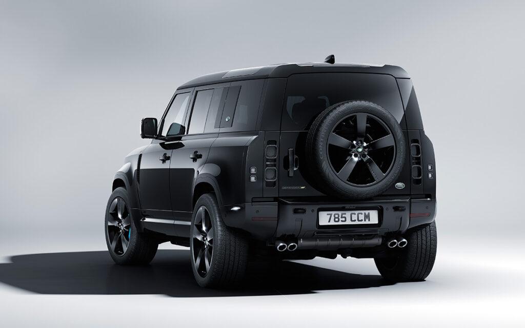 Land Rover посвятил новую спецсерию Defender фильму о Джеймсе Бонде