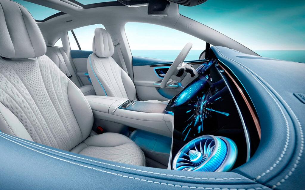 Представлен новый электрический седан Mercedes-Benz EQE 2022 года