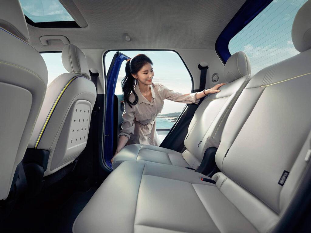 Опубликованы первые официальные фото интерьера нового кроссовера Hyundai Casper