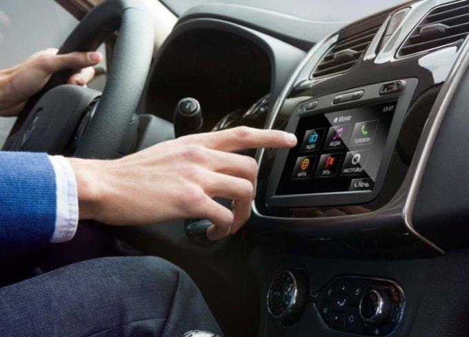 Мультимедийная система в автомобиле