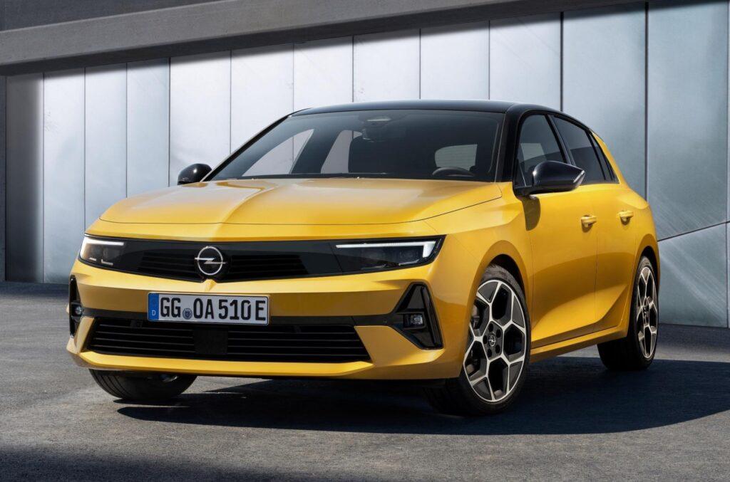 Компания Opel представила хэтчбек Opel Astra шестого поколения
