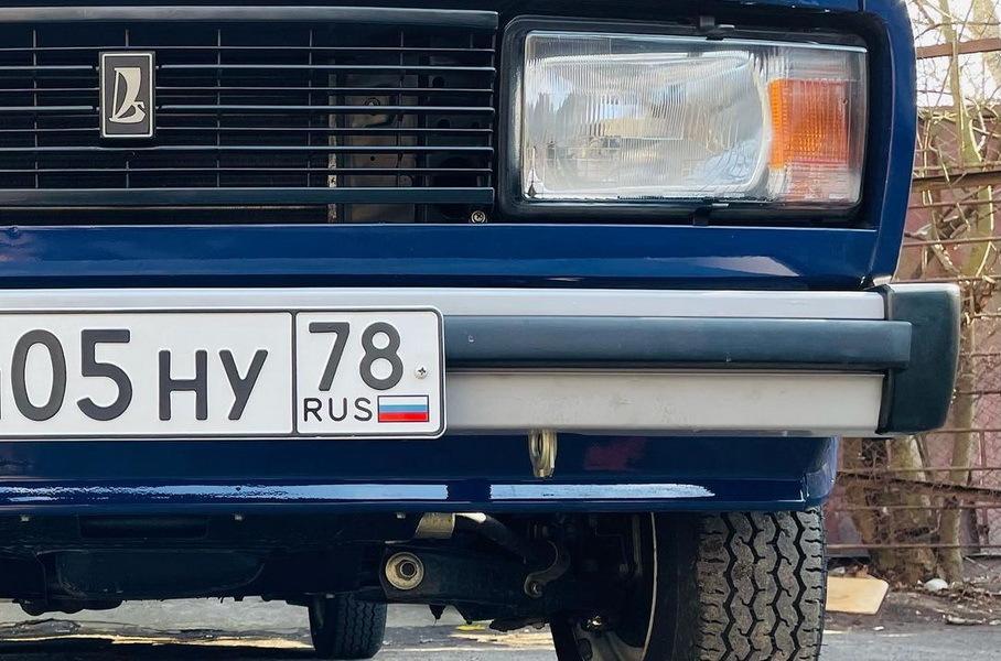 В Санкт-Петербурге обнаружили новый простоявший в гараже 22 года ВАЗ-2104