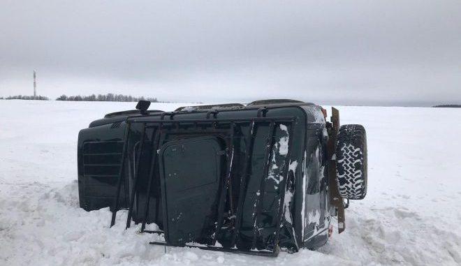 В Орловской области УАЗ опрокинулся в кювет, пострадала пенсионерка