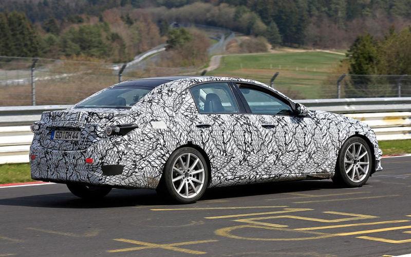 Фотошпионы снова заметили на тестах новый Mercedes-Benz C-Class