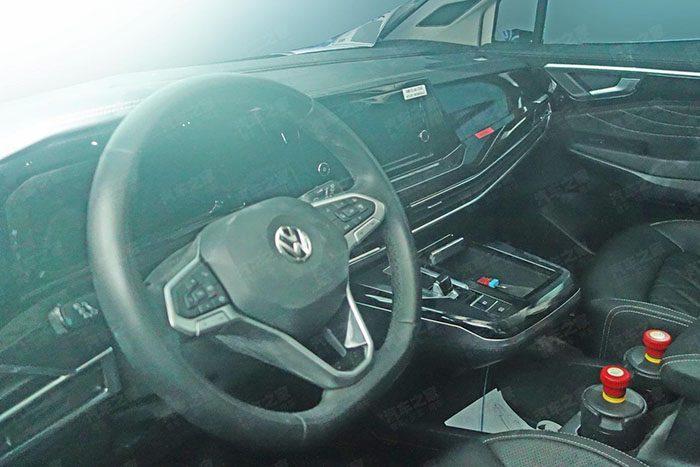 Самый большой внедорожник от Volkswagen замечен во время тестов