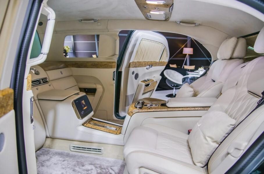 Президентский лимузин Aurus Limousine получил в РФ ценник в 107 млн рублей