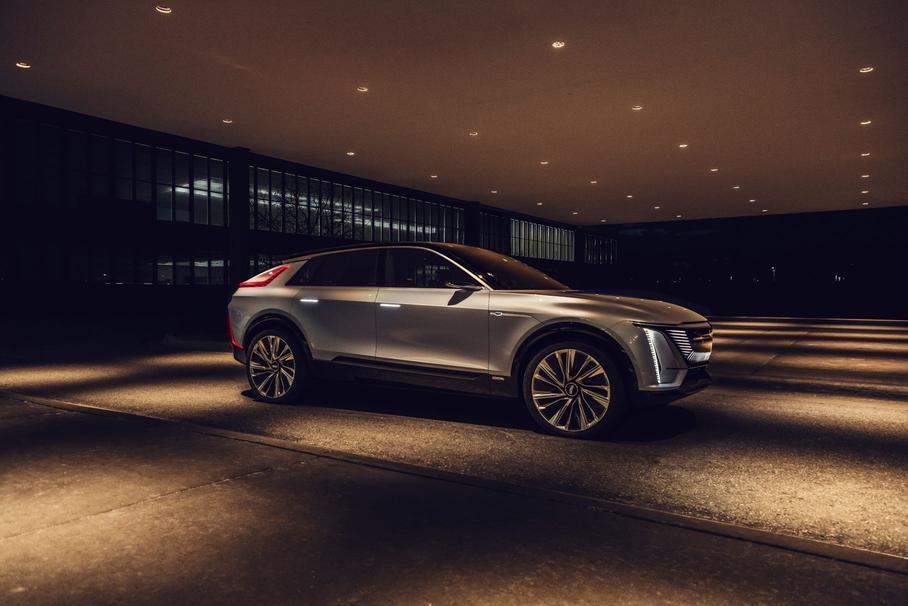 Cadillac представил электрический кроссовер Cadillac Lyriq