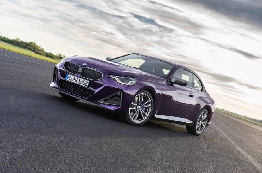 Компания BMW представила новое поколение купе BMW 2-Series