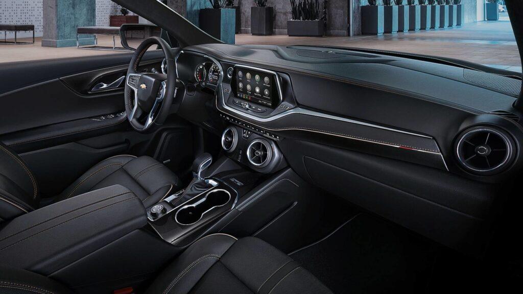 Chevrolet представила новый кроссовер с именем Chevrolet Blazer