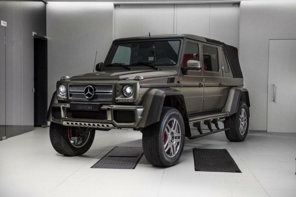 В столицеРФ реализуют Mercedes-Maybach G650 Landaulet за85 млн руб.