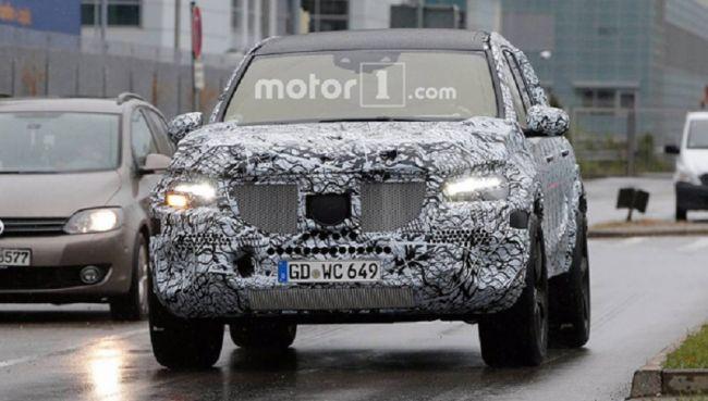 Новый внедорожник Mercedes-Benz GLS замечен на тестах