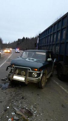 Четыре человека пострадали в лобовом ДТП на трассе в Вологодской области