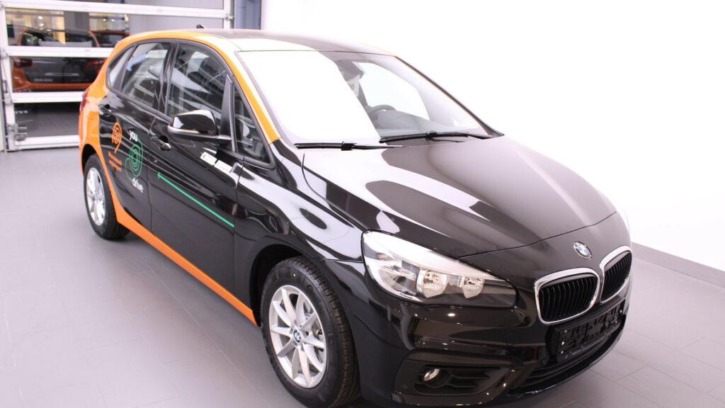 Парк каршеринга YouDrive пополнили 100 автомобилей BMW Active Tourer