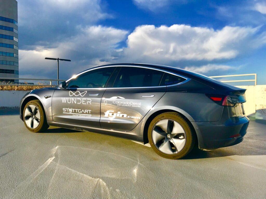 Электрический седан Tesla Model 3 поставил новый рекорд дальности пробега