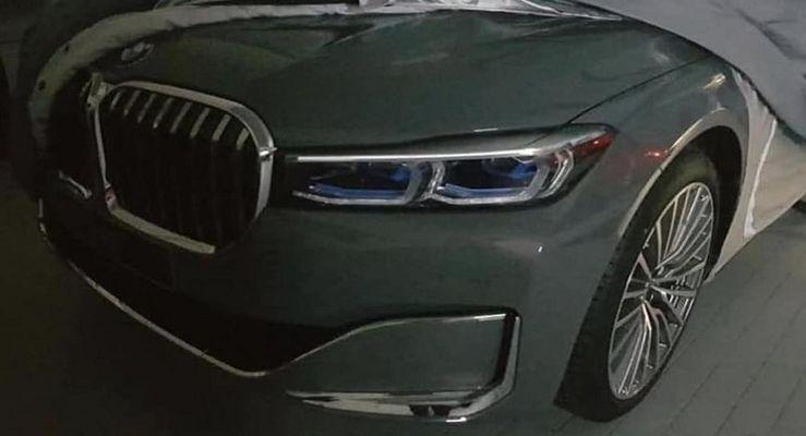 В Сети появилось первое живое фото обновленного седана BMW 7-Series