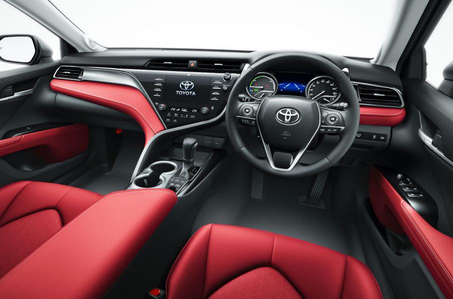 Toyota обновила Camry и показала особую версию в честь 40-летия