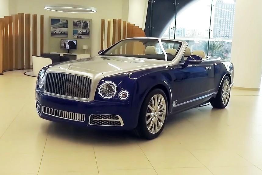 Новый Bentley Grand Convertible показали на фото с презентации в Дубае