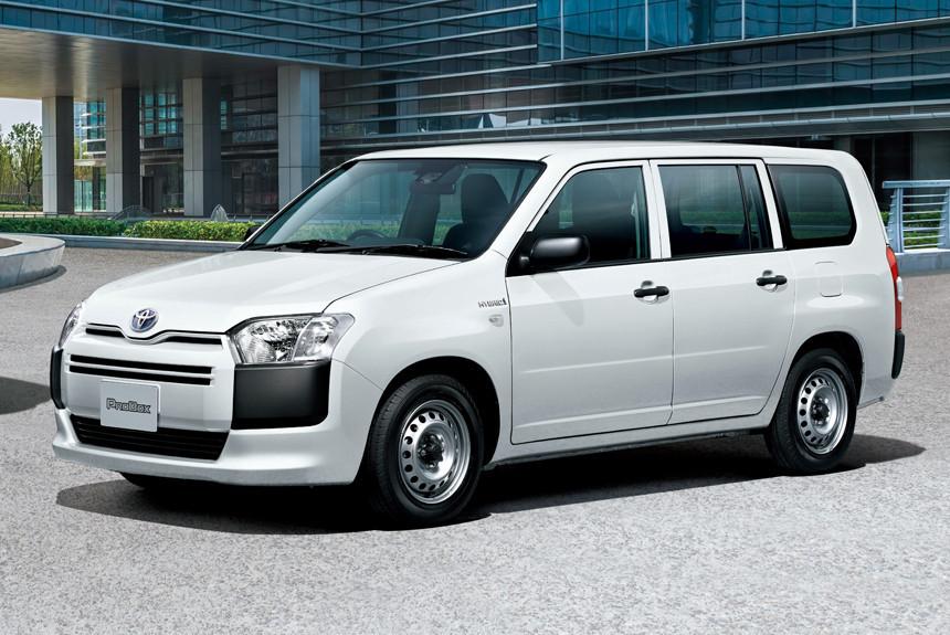 Универсалы-близнецы Toyota Probox и Succeed получили гибридные версии