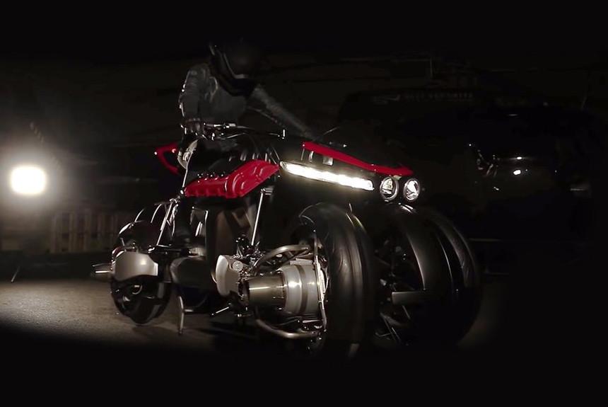 Летающий мотоцикл с мотором Мазерати дебютирует всамом начале будущего года