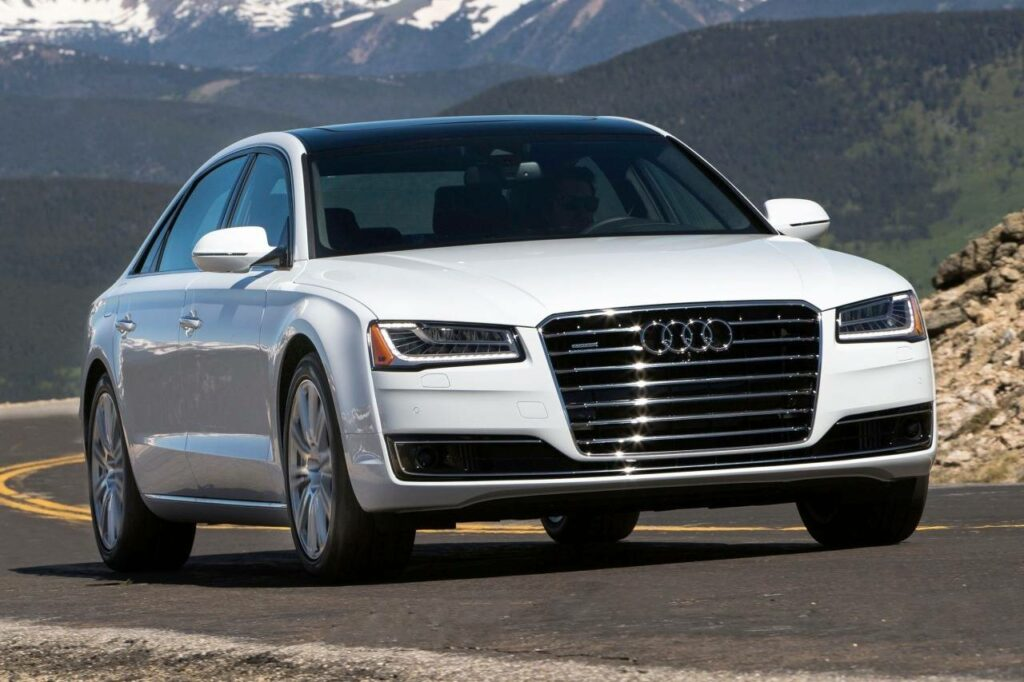Audi отзывает почти 5 тысяч дизельных седанов A8