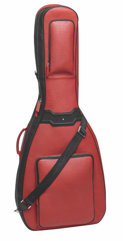 Набор сумок для BMW 8-Series оценили дороже универсала Kia Ceed